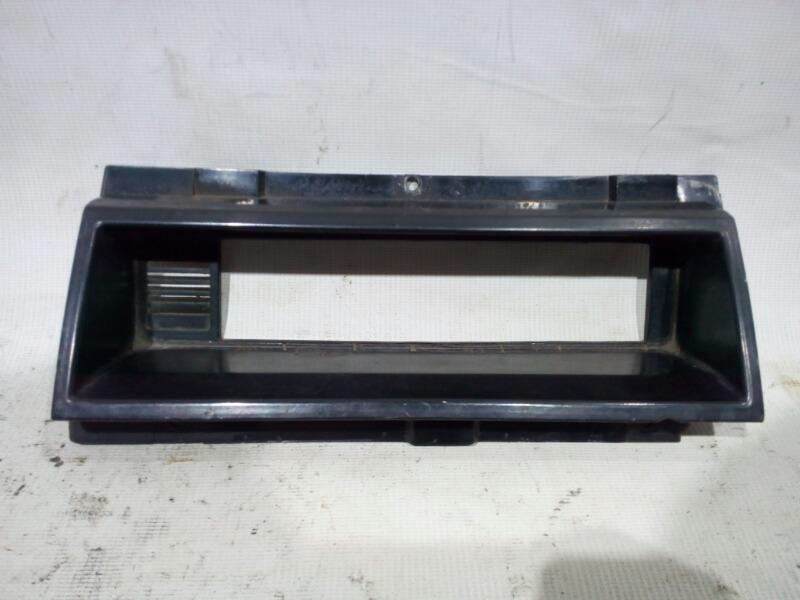 Накладка на торпедо Nissan Vanette Truck UJC22 LD20 1994