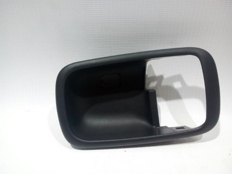 Накладка на ручку двери внутренняя Mitsubishi Lancer Cedia CS5W 4G93 2002 задняя правая