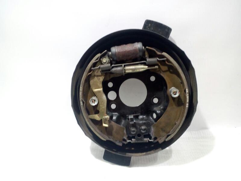 Щиток тормозного механизма Mitsubishi Lancer Cedia CS5W 4G93 2002 задний правый