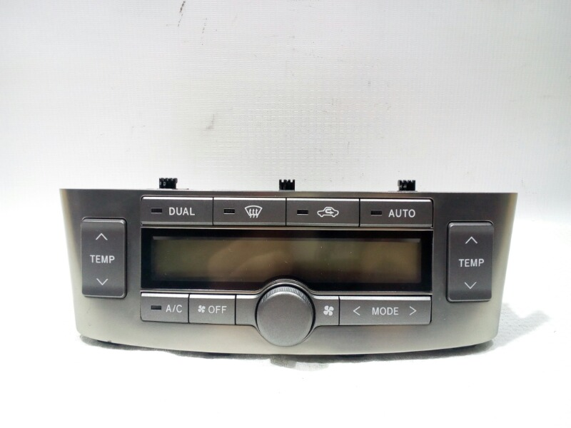 Блок управления климат-контролем Toyota Avensis AZT250 1AZFSE 2004