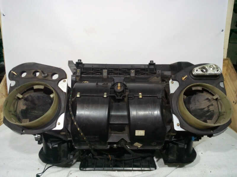 Корпус отопителя Bmw 5-Series E39 M52B25 1995