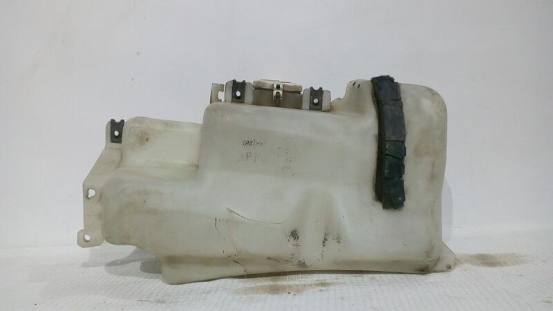 Бачок стеклоомывателя Mitsubishi Pajero V21W 4G64 1991
