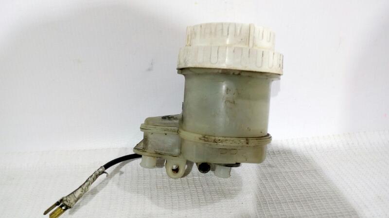 Бачок для тормозной жидкости Mitsubishi Lancer Evolution CN9A 4G63 1996