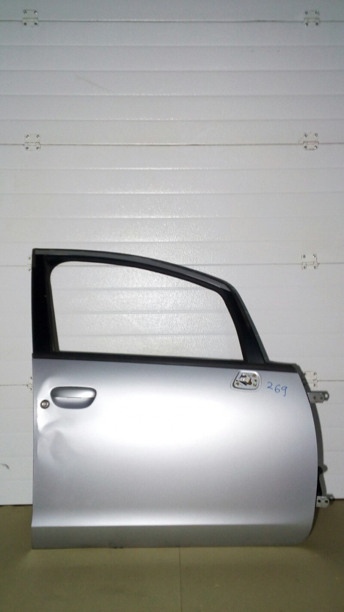 Дверь Mitsubishi Colt Z27A 4G15 2004 передняя правая
