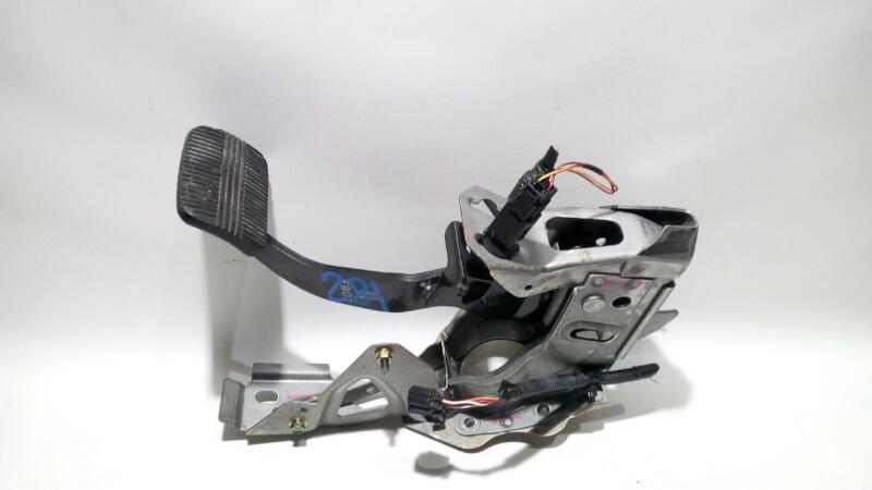 Педаль тормоза Nissan Teana J31 VQ23DE 2003