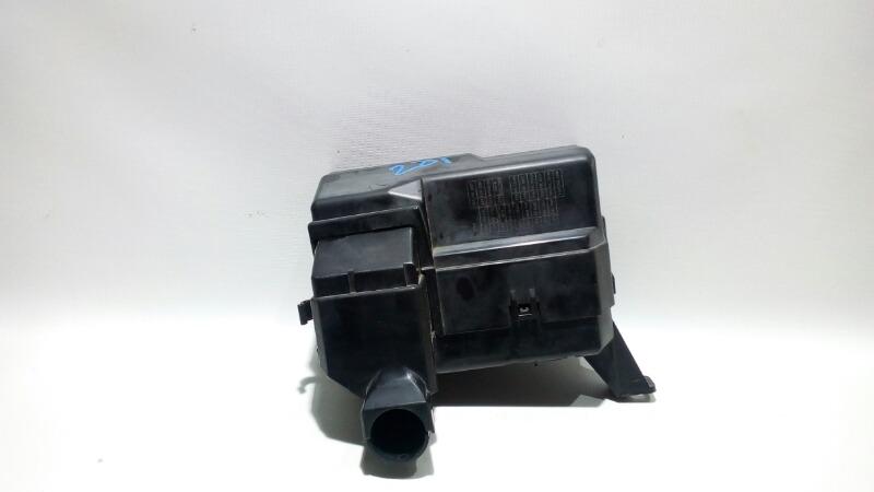 Блок предохранителей под капот Nissan Teana J31 VQ23DE 2003 передний