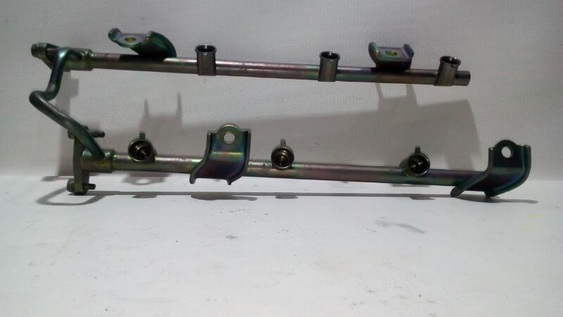 Рейка топливная (рампа) Nissan Teana J31 VQ23DE 2003