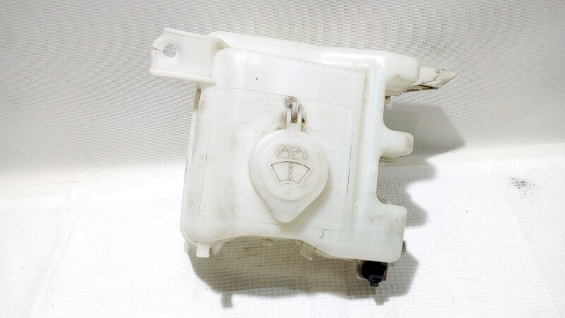 Бачок стеклоомывателя Mitsubishi Airtrek CU2W 4G63T 2003