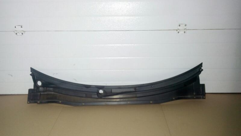 Решетка под дворники (жабо) Mitsubishi Airtrek CU2W 4G63T 2003
