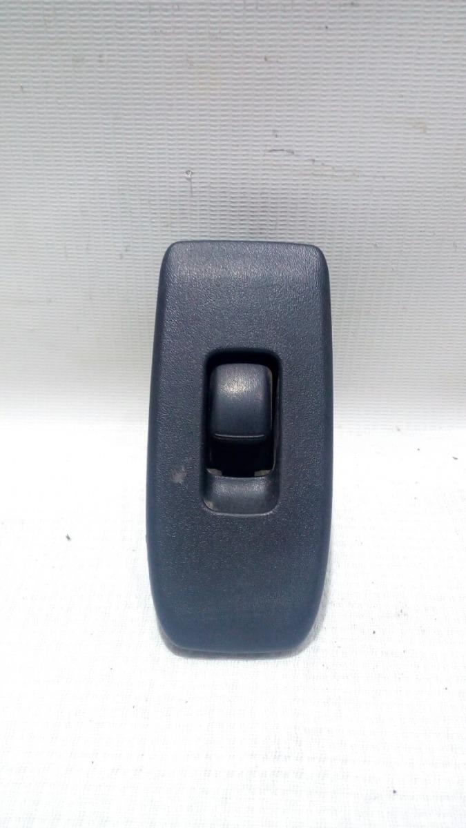 Кнопка стеклоподъемника Mitsubishi Pajero V75W 6G74 2000 передняя левая