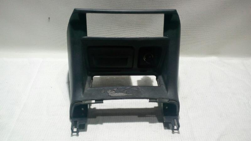 Накладка (кузов внутри) Mitsubishi Pajero V75W 6G74 2000 передняя