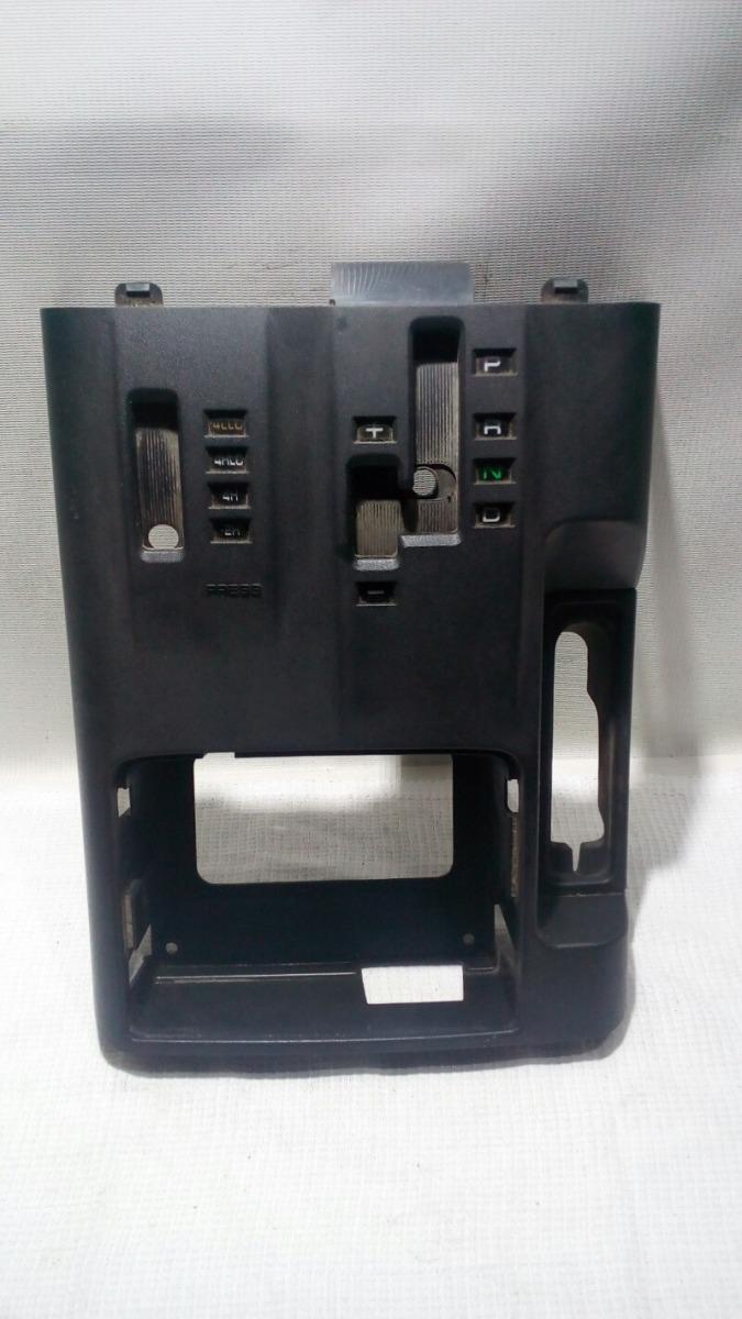 Накладка консоли Mitsubishi Pajero V75W 6G74 2000