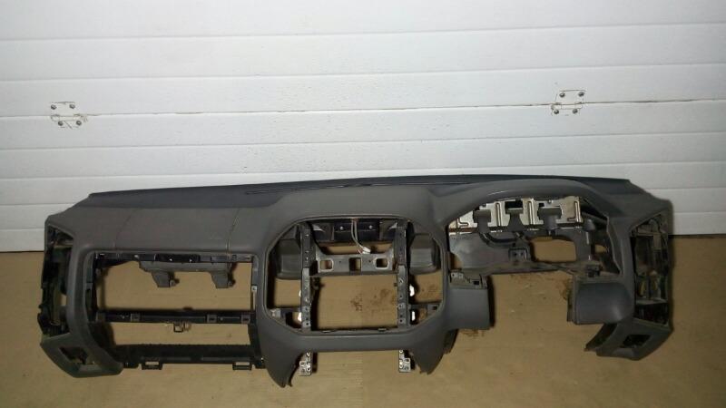 Панель приборов (торпеда) Mitsubishi Pajero V75W 6G74 2000