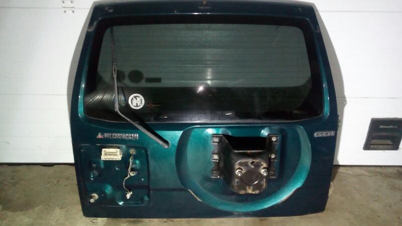 Дверь багажника Mitsubishi Pajero V75W 6G74 2000 задняя
