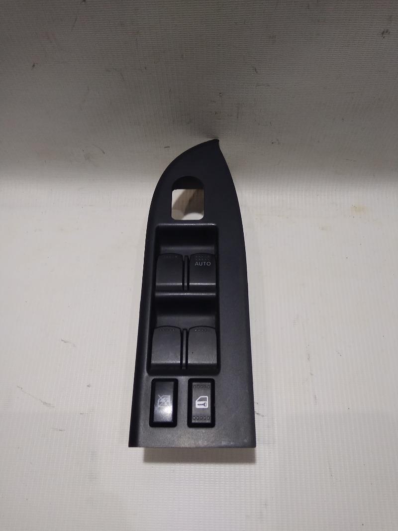 Блок управления стеклоподъемниками Suzuki Escudo TD94W H27A 2005 передний правый