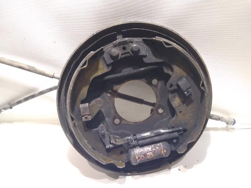 Щиток тормозного механизма Suzuki Escudo TD94W H27A 2005 задний правый