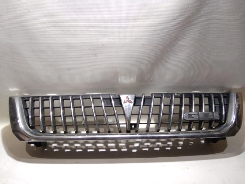 Решетка радиатора Mitsubishi Challenger K99W 6G74 1997 передняя