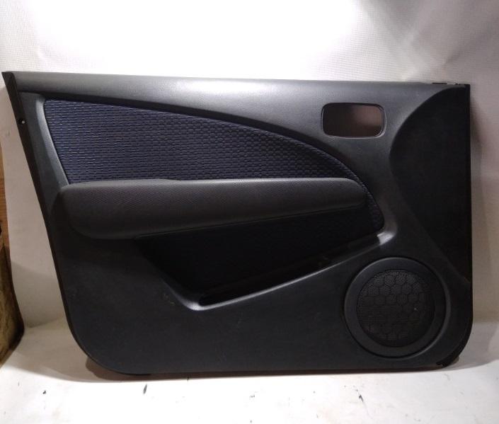 Обшивка двери Mitsubishi Outlander CU2W 4G63 2003 передняя левая