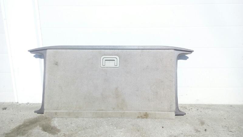 Пол багажника Mitsubishi Challenger K99W 6G74 1997 задний