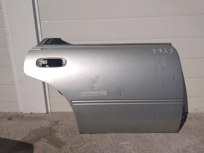 Дверь Nissan Bluebird U13 GA16DS 1991 задняя правая