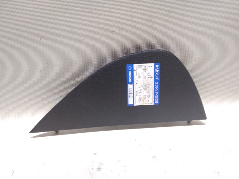 Накладка на торпедо Mazda Atenza Sport GG3S L3-VE 2003 передняя правая