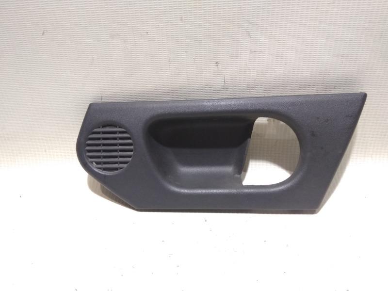 Накладка на ручку двери внутренняя Opel Meriva Z14XEP 2008 передняя правая