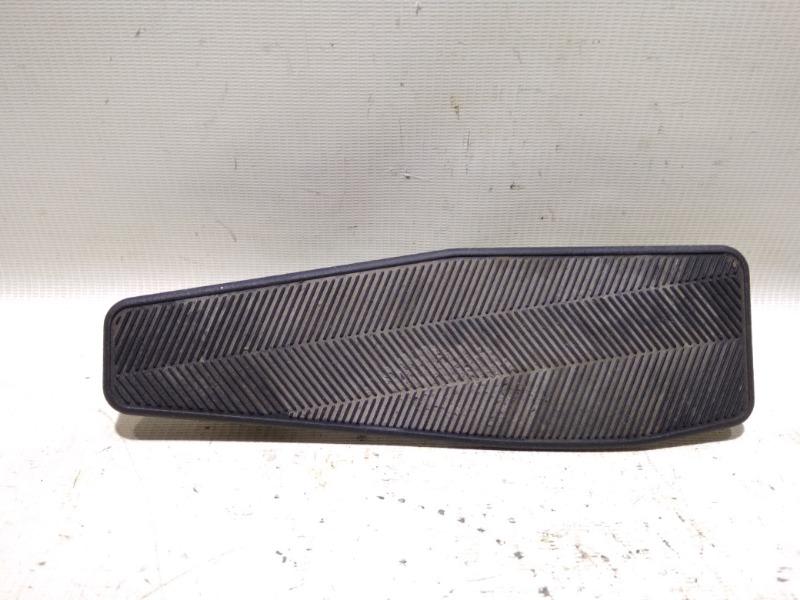 Упор для ноги Suzuki Escudo TD94W H27A 2005