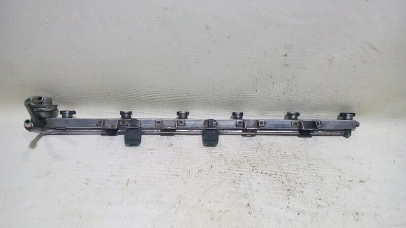 Рейка топливная (рампа) Bmw 5-Series E39 M52B25 1995