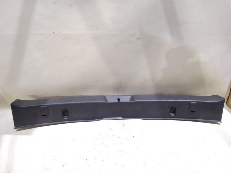 Накладка замка багажника Subaru Impreza GH2 EL154 2007 задняя нижняя