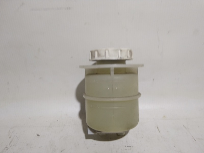 Бачок для тормозной жидкости Mitsubishi Airtrek CU2W 4G63T 2002