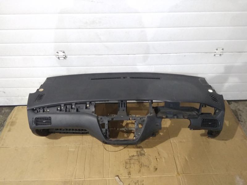 Панель приборов (торпеда) Mitsubishi Lancer Cedia CS5W 4G93 2002