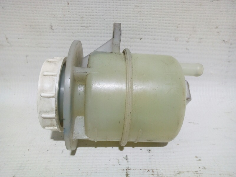 Бачок для тормозной жидкости Mitsubishi Airtrek CU2W 4G63T 2004