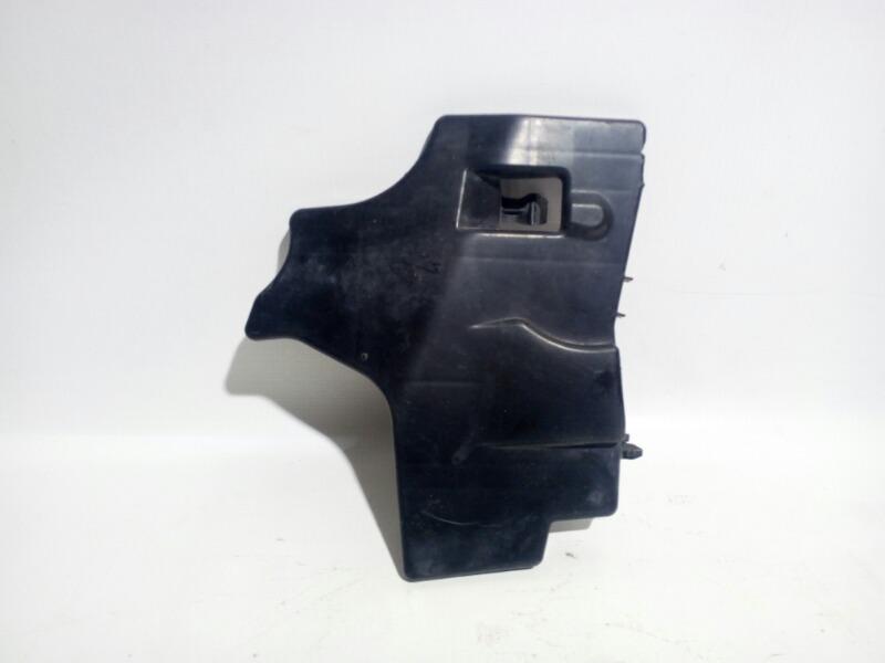Дефлектор радиатора Toyota Corolla ZRE151 1ZRFE 2012 правый