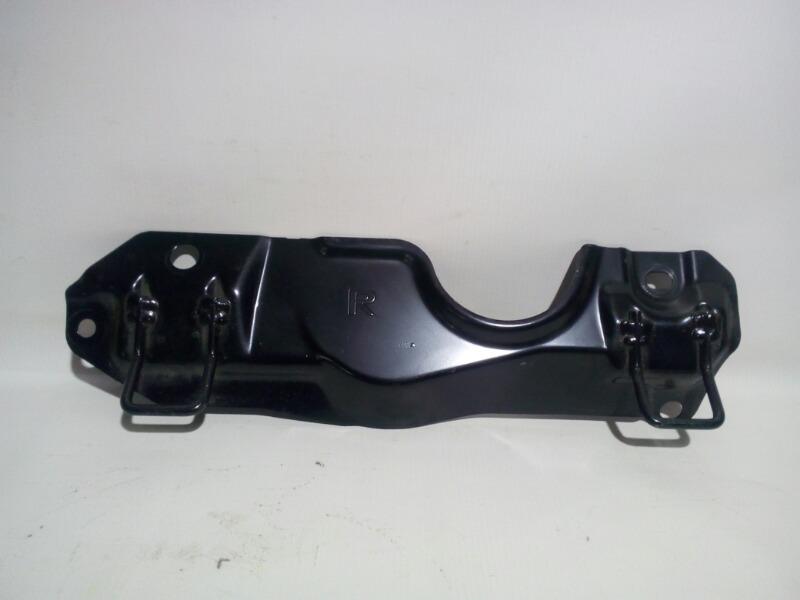 Кронштейн крепления детского кресла isofix Mitsubishi Galant Fortis CY4A 4B11 2007 задний правый