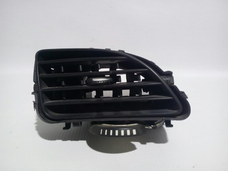 Решетка вентиляционная Renault Fluence L30R K4M 2012>