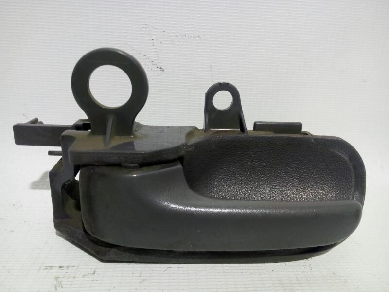 Ручка двери внутренняя Toyota Platz SCP11 1SZFE 2000 передняя левая