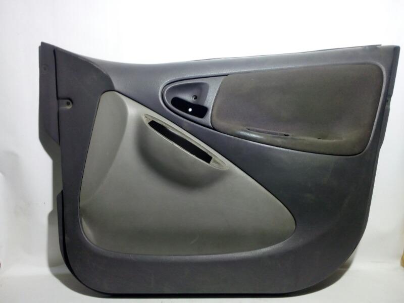 Обшивка двери Toyota Platz SCP11 1SZFE 2000 передняя правая