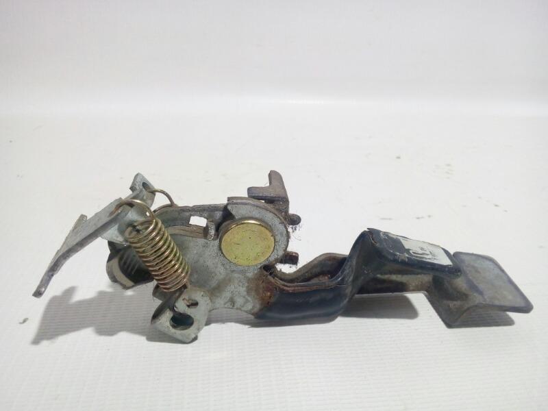 Ручка открывания багажника Toyota Platz SCP11 1SZFE 2000