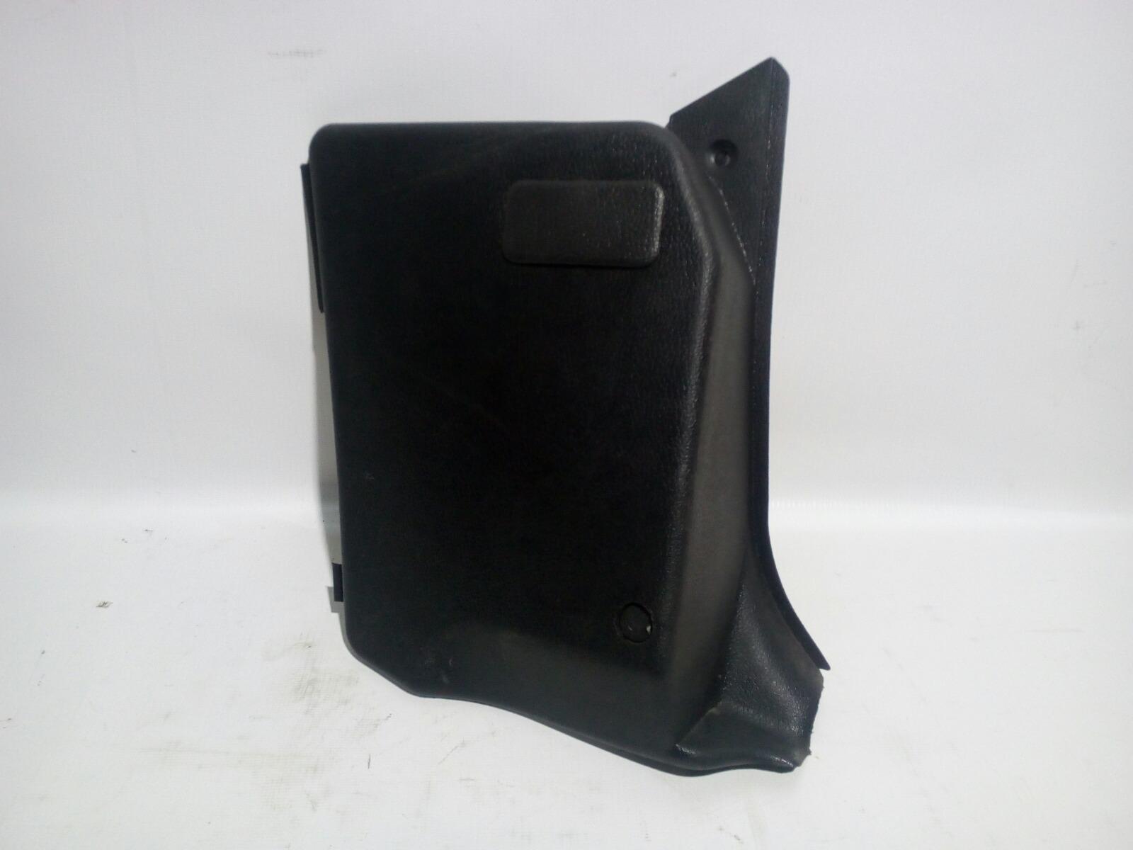 Обшивка, панель салона Daewoo Nexia KLETN F16D3 2012 передний правый нижний