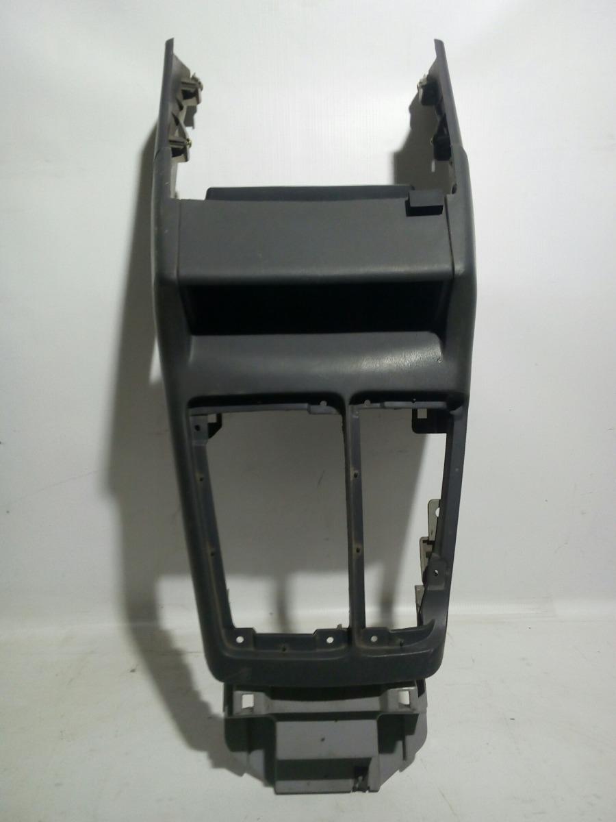 Накладка консоли кпп Mitsubishi Challenger K99W 6G74 1997