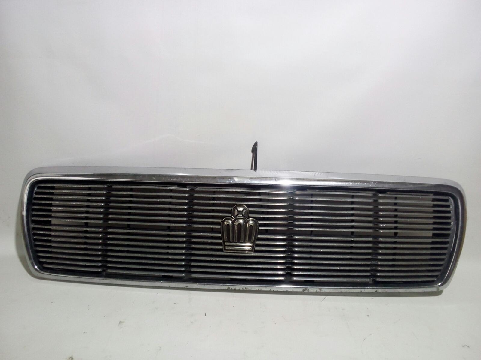 Решетка радиатора Toyota Crown Majesta UZS141 1UZ-FE 1991 передняя