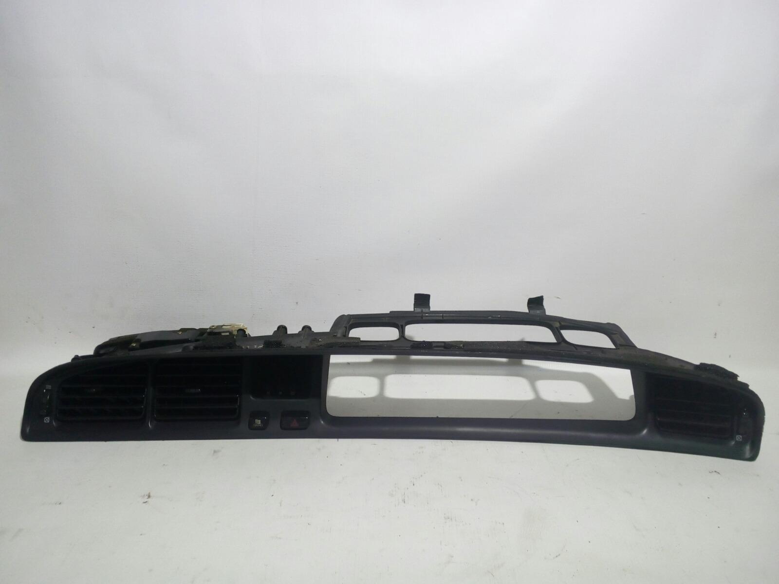 Консоль панели приборов Toyota Crown Majesta UZS141 1UZ-FE 1991 передний