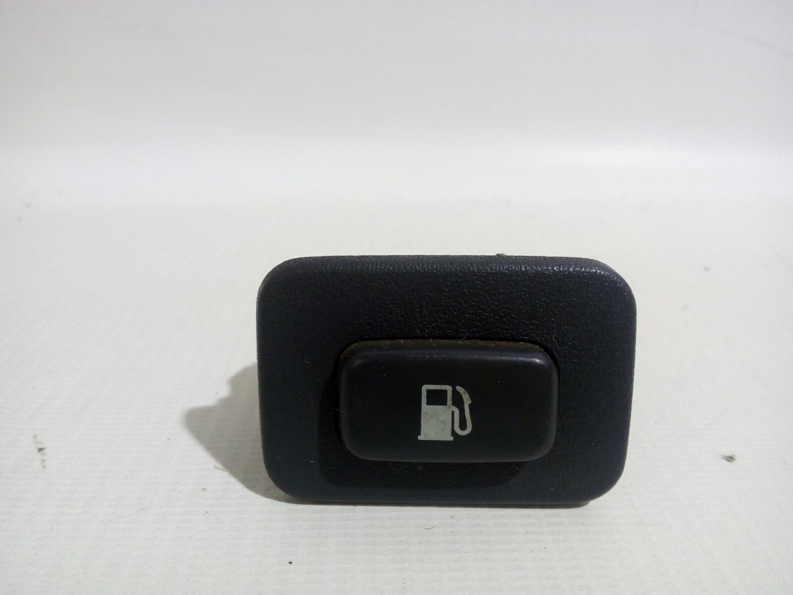 Кнопка открывания лючка бензобака Toyota Crown Majesta UZS141 1UZ-FE 1991