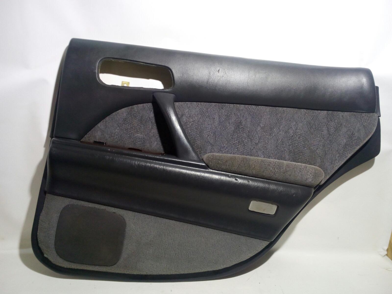 Обшивка двери Toyota Crown Majesta UZS141 1UZ-FE 1991 задняя правая