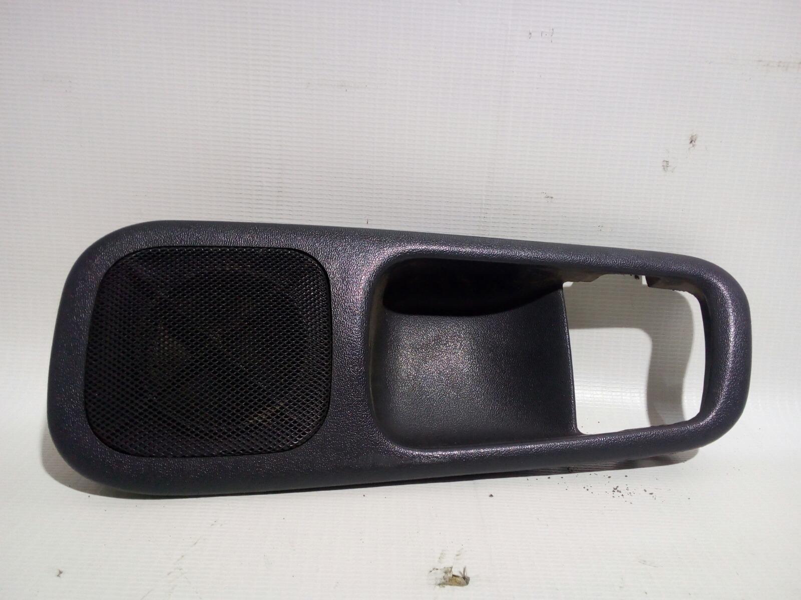 Накладка на ручку двери внутренняя Toyota Crown Majesta UZS141 1UZ-FE 1991 задняя левая