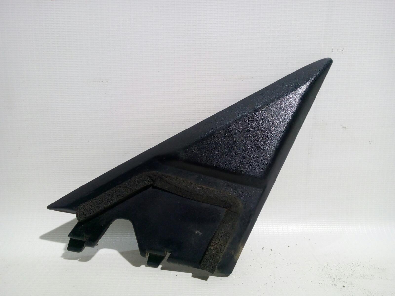 Уголок двери Toyota Crown Majesta UZS141 1UZ-FE 1991 передний правый