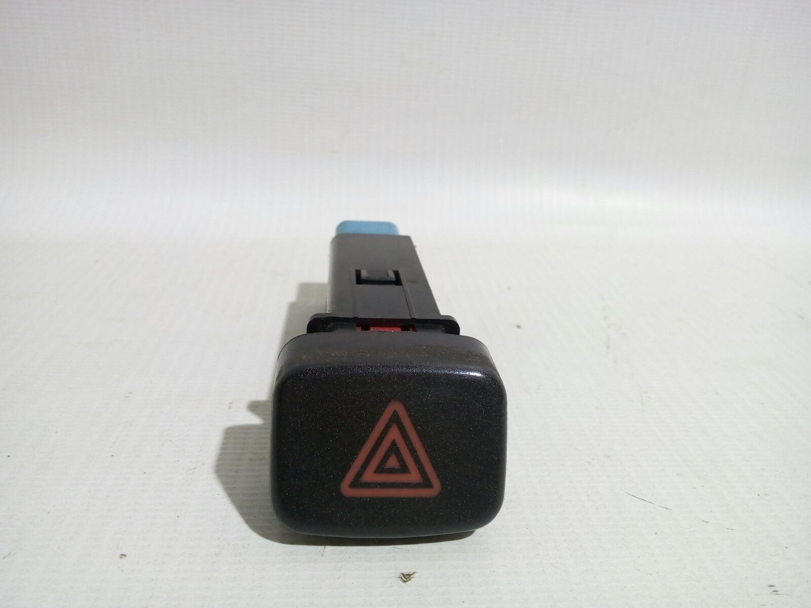 Кнопка включения аварийной сигнализации Chery Fora A21 SQR484F 2007