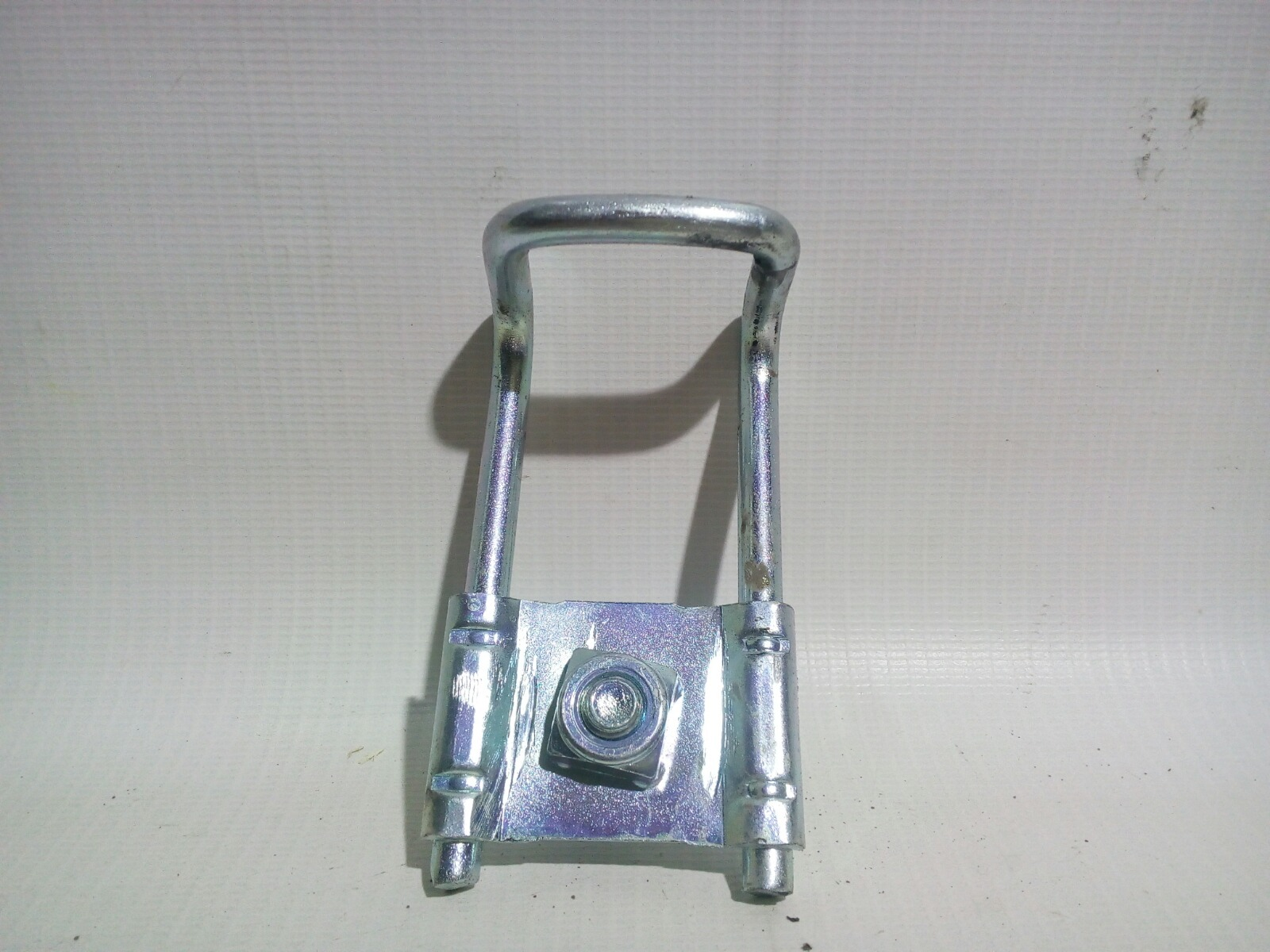 Ответная часть замка двери багажника Daewoo Nexia KLETN F16D3 2012 задняя