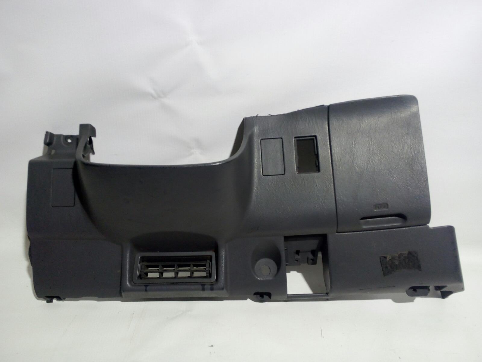 Накладка под рулем Toyota Camry Prominet VZV32 4VZ-FE 1992 передняя правая