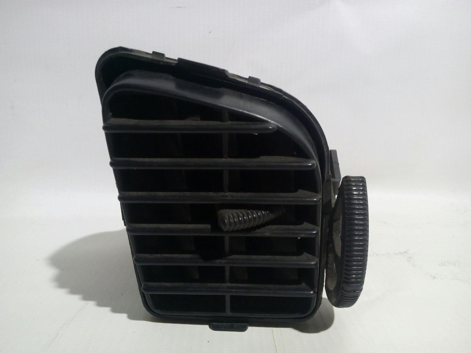 Решетка вентиляционная Toyota Camry Prominet VZV32 4VZ-FE 1992